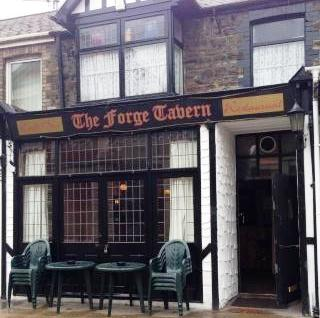 The Forge Tavern, Port Talbot, pub Port Talbot, Drinkers Pub Port Talbot, Old pub,