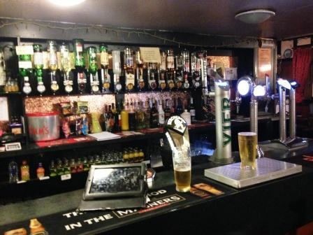 Old Glais Wines & Spirits, Beer & Lager, Food, Ales, Great ambience,
