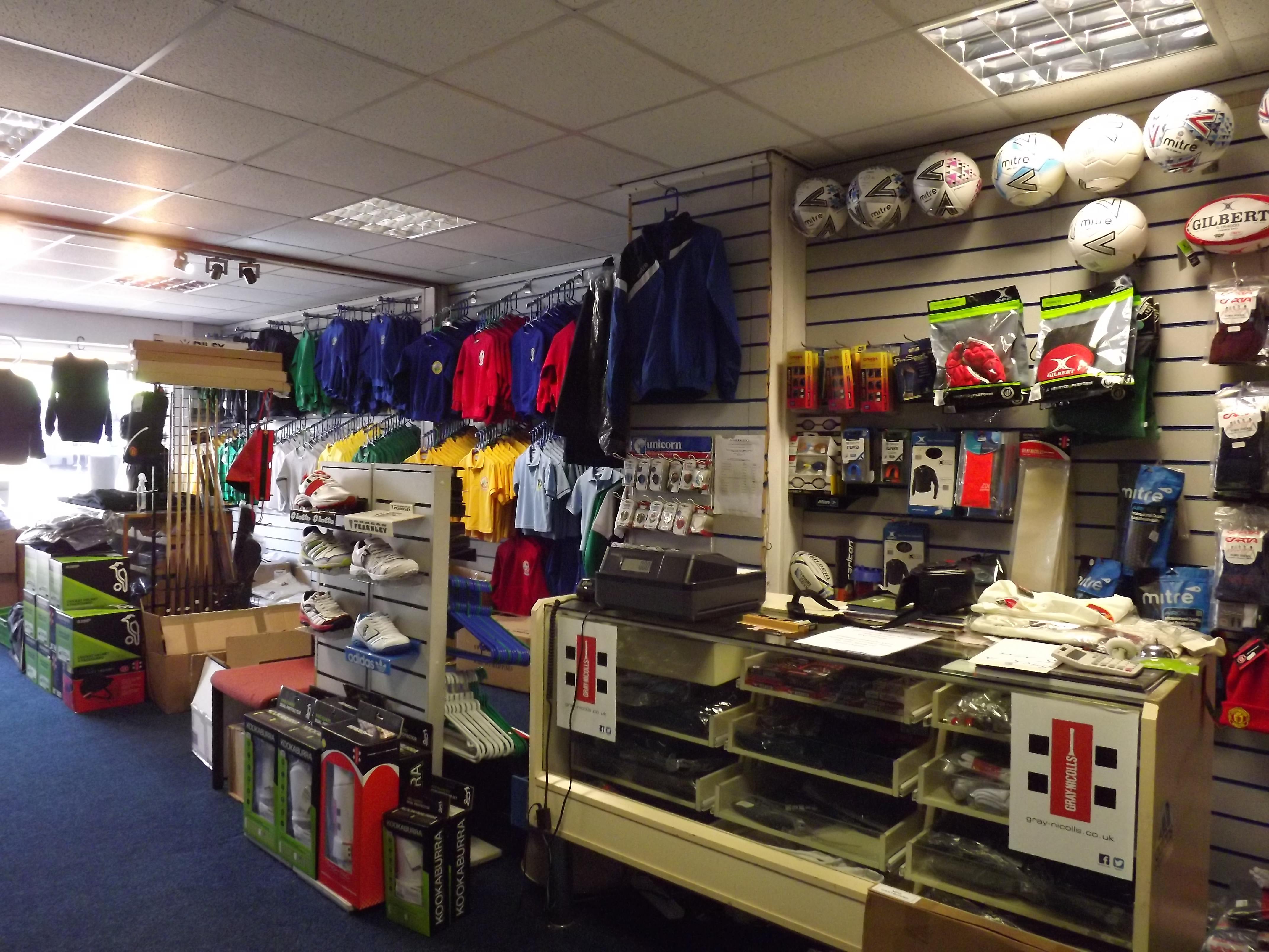 Cricket bats, cricket clothing Swansea, Morriston, Sportscene, sports clothes scholls, skool wear,hoodies schools,