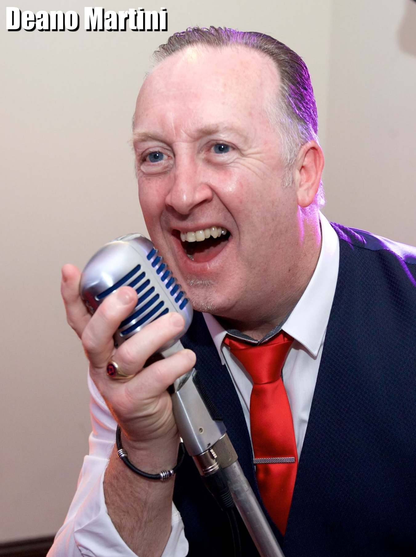 Deano singer, singer swansea, wedding singer swansea, wedding entertainment swansea, wedding entertainer, best swing singer, rat pack, frank sinatra, bible tribute, best bible tribute, best wedding singer, The Wedding Singer,